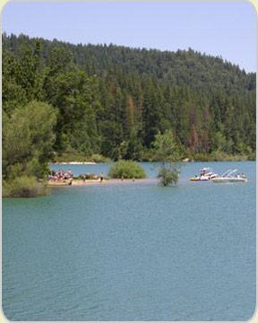 Lakes boating nevada city california for Scotts flat lake fishing