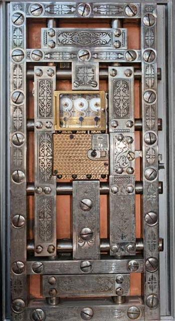 Safe-Door