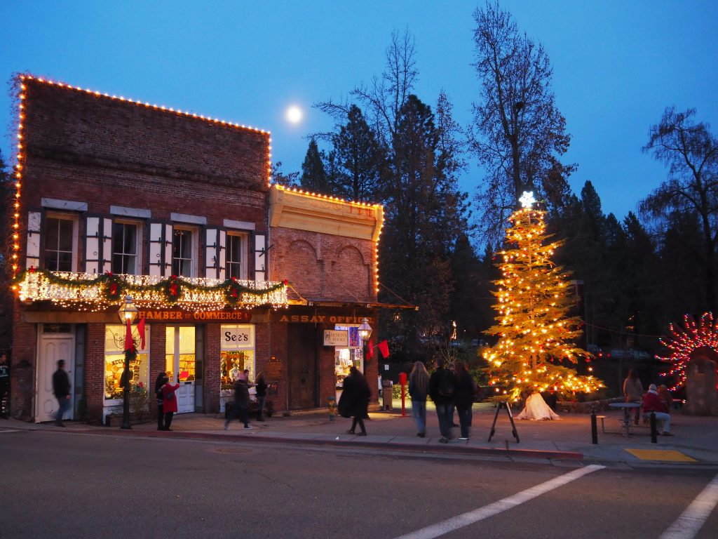 Nevada City Offers Holiday Cheer With Victorian Flair Nevada City California
