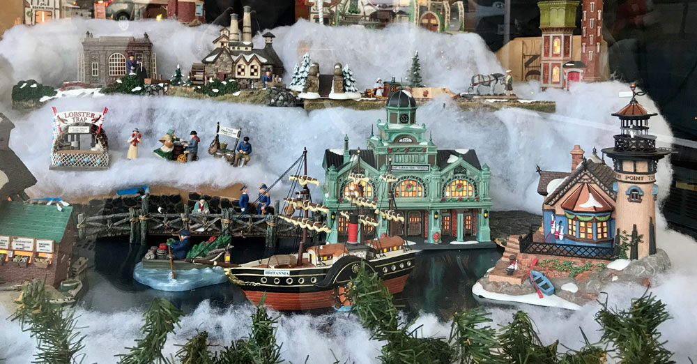 victorian christmas dickens village miniatures